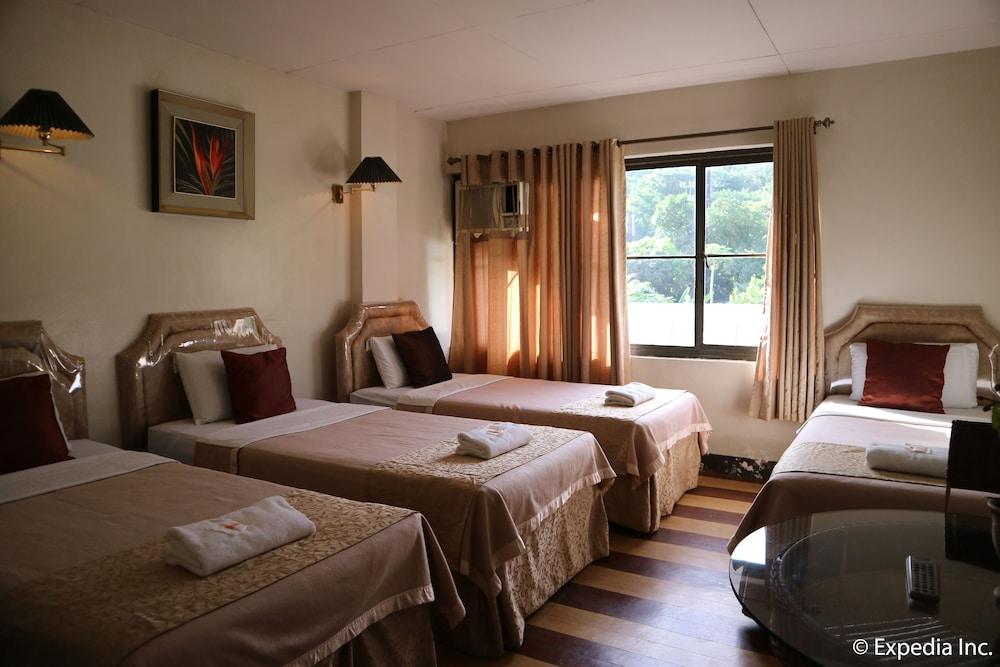 Splash Mountain Resort Hotel