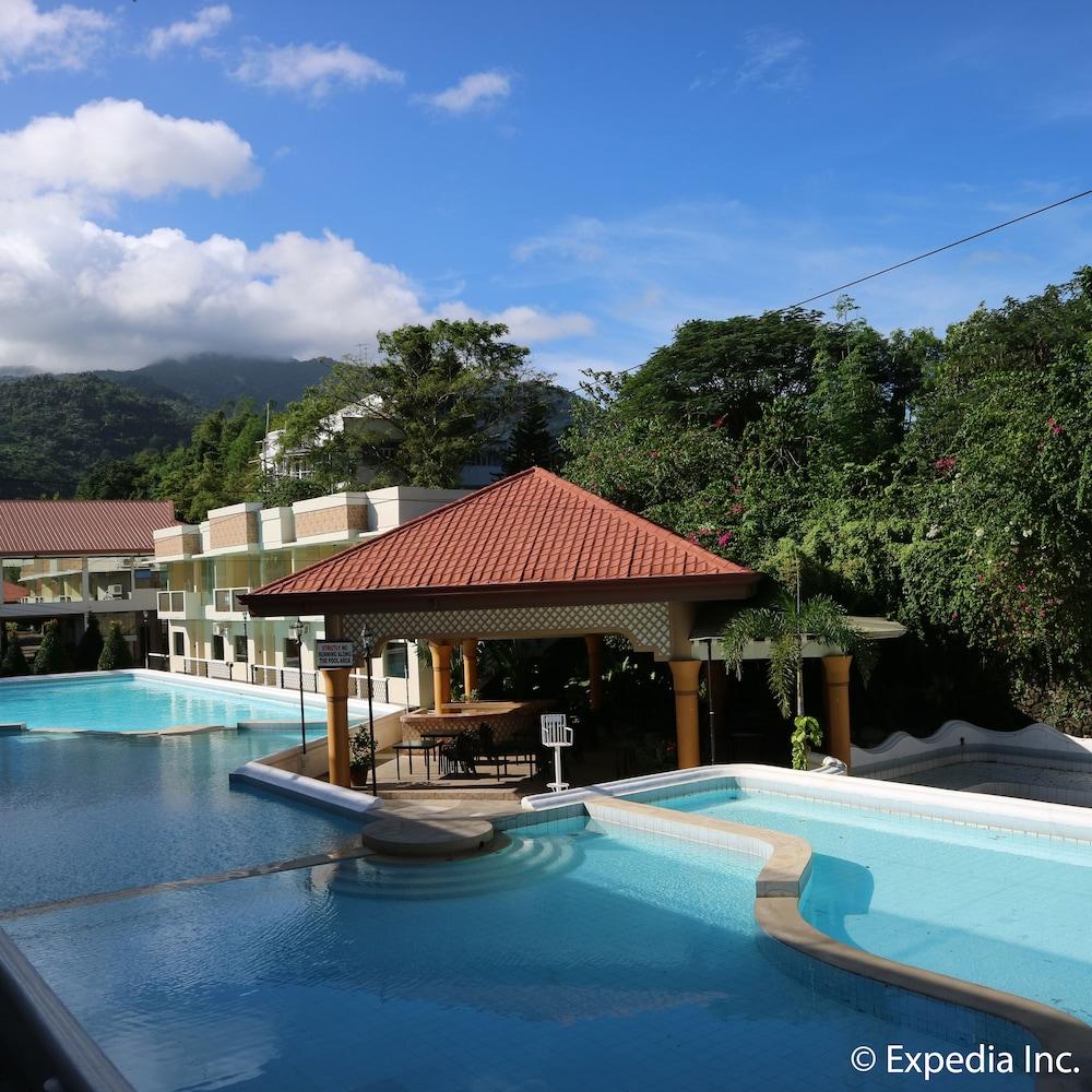 Splash Oasis Resort Hotel