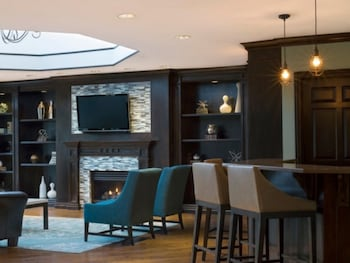 Global Luxury Apartments near Mill River Park