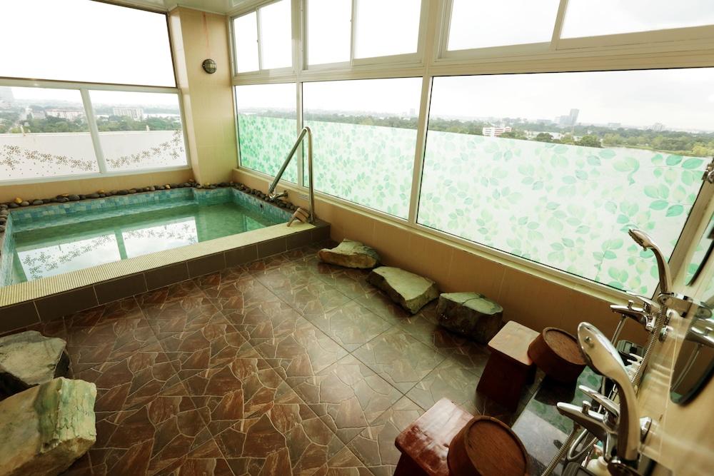 Super Hotel Yangon Kanbar Aye Road
