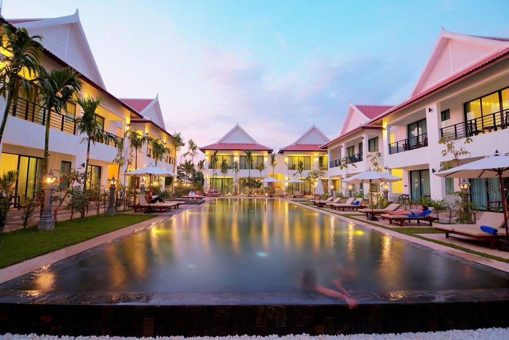 Watana Resort & Spa