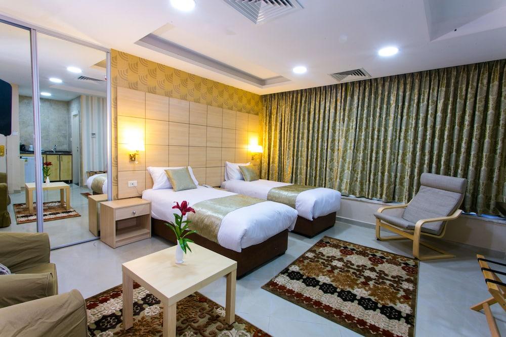 Nishan Hotel