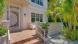 Lincoln Road Suites by YouRent Vacations