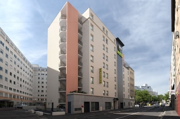 tarifs reservation hotels B&B Hotel Lyon Caluire Cité Internationale