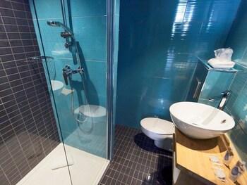 Kyriad Marseille Blancarde - Timone - Bathroom  - #0