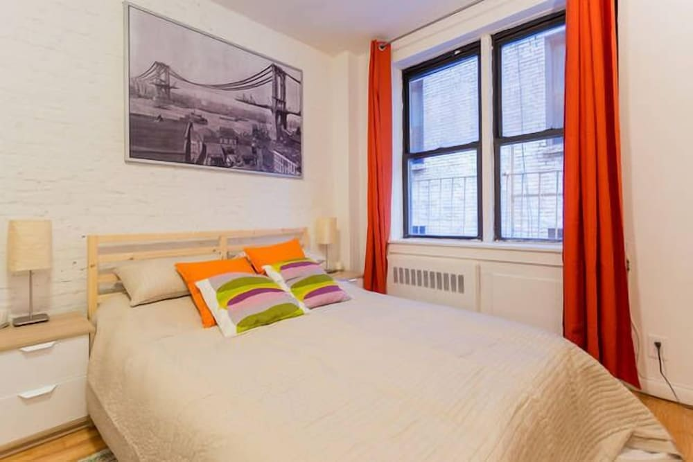 Beautiful Studio Near Central Park