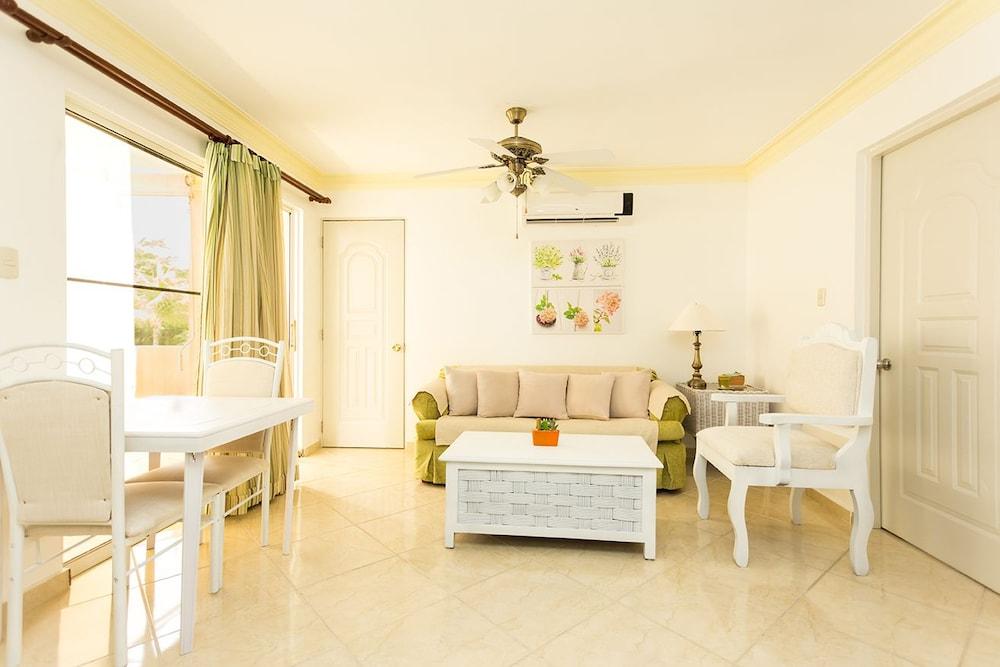 Apartment at Garden Condos