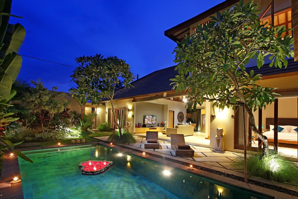 10 best luxury hotels in kerobokan most popular for Best hotel di bali