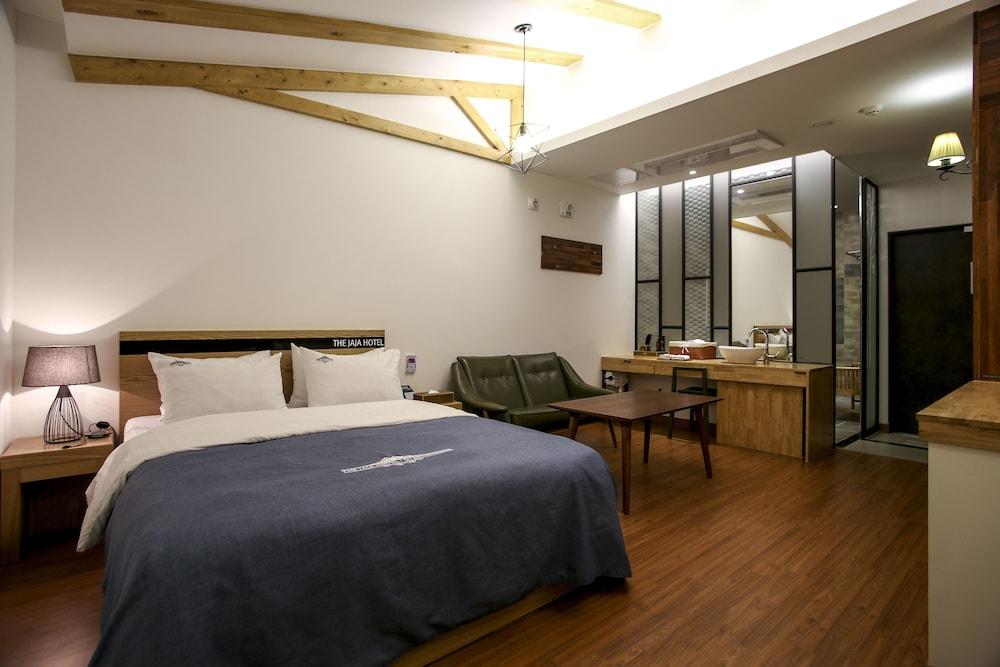 Hotel The JaJa