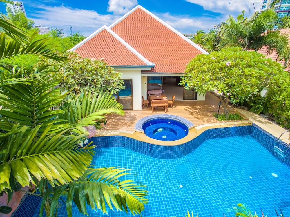 Adare Pool Villa.