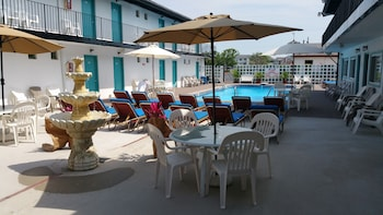 The Amethyst Beach Motel in Point Pleasant Beach, New Jersey