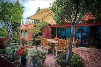 Casa Cinco Patios