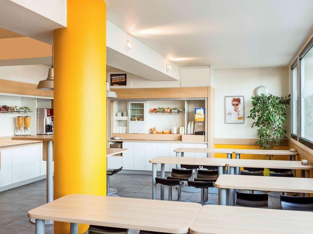 Hotelf1 Roissy Aeroport Cdg Pn 2 A Roissy En France France Hotels Sur Ebooking Com