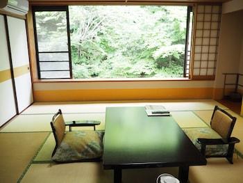 Osakaya - Living Room  - #0