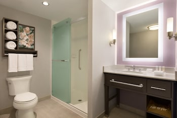 Homewood Suites Washington Convention Center Area DC - Bathroom Shower  - #0