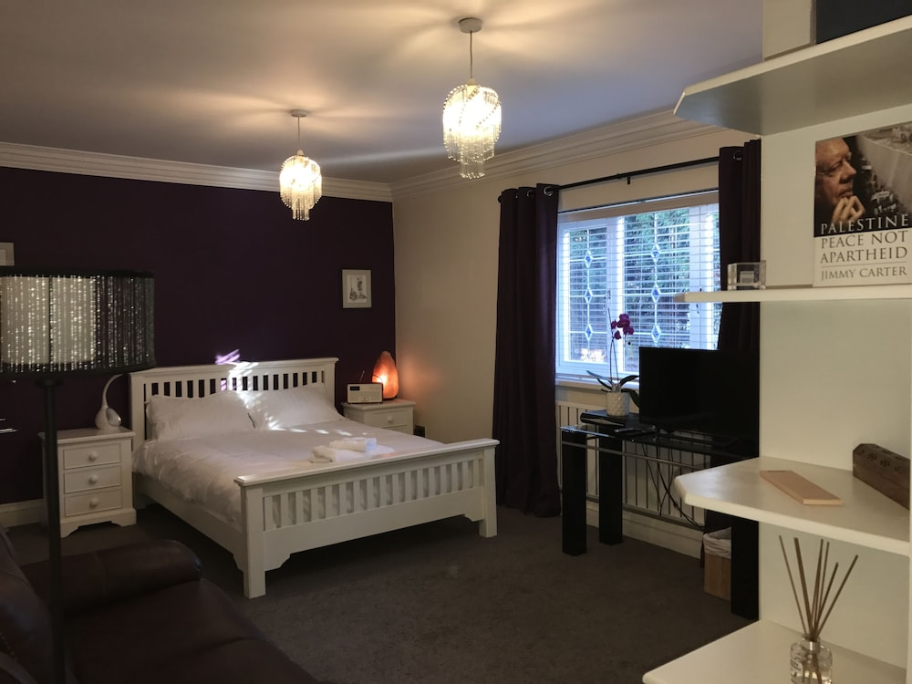 Halebarns Guesthouse Manchester Airport (Adults only)