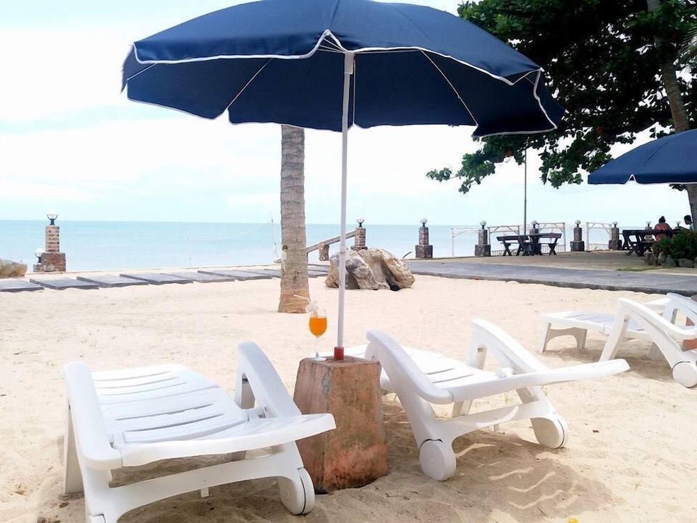 Talkoo Beach Resort Khanom