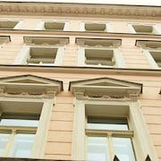 城市酒廊皇冠飯店