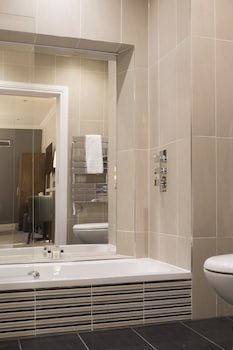 Court Residence - Bathroom  - #0