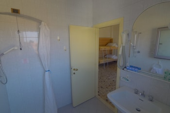 Hotel Mediterraneo - Bathroom  - #0