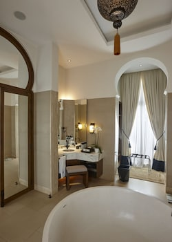 Banyan Tree Tamouda Bay - Bathroom  - #0