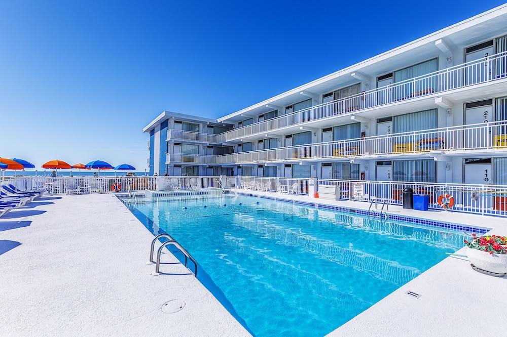 The Crusader Oceanfront Family Resort