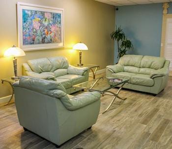 Discovery Beach Resort, a VRI resort - Lobby Sitting Area  - #0