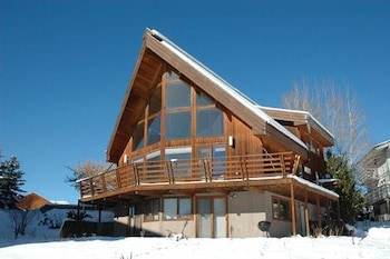 Alpen View Home by RedAwning