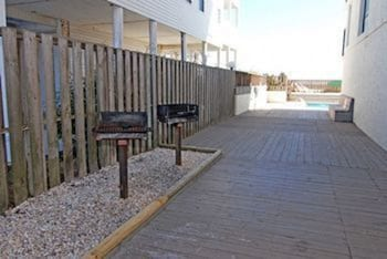 Units at Waterpointe I by Elliott Beach Rentals - BBQ/Picnic Area  - #0