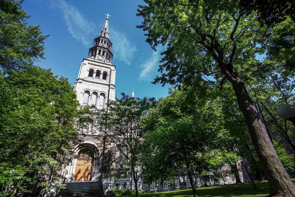 Residence Grey Nuns by Concordia University