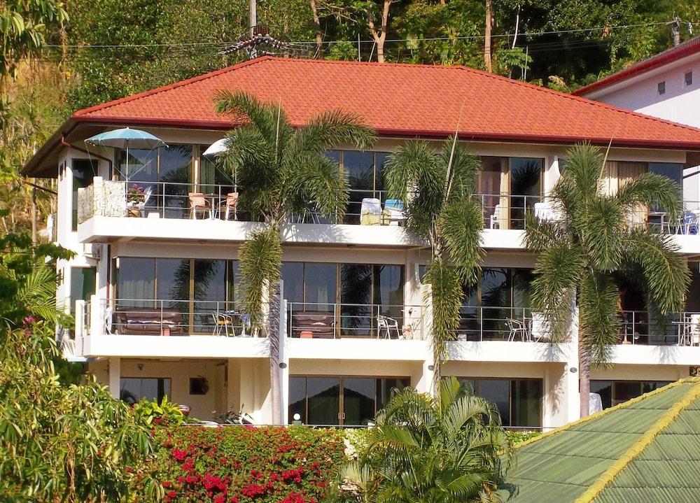 Mountain Sea View Luxury Apartments