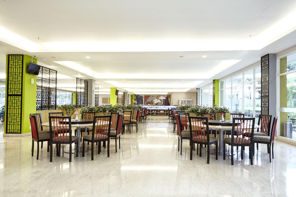 Design Interior Rumah Type 27  maxonehotels com resort makassar makassar price address