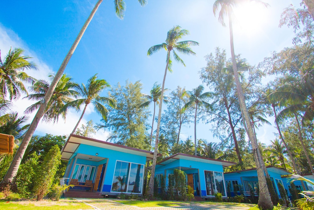 Sea Far Resort