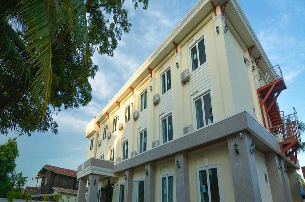 Xaychaleurn Hotel