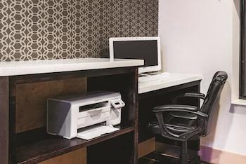 La Quinta Inn & Suites Norwich-Plainfield-Casino - Business Center  - #0