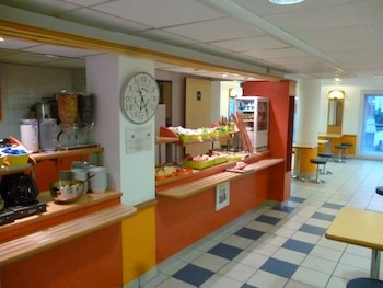 ibis budget Paris Porte d' Italie Ouest - Breakfast Area  - #0