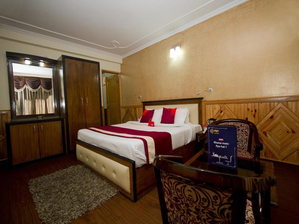 OYO 1638 Hotel A Star Regency