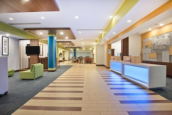 Holiday Inn Express & Suites Uniontown - Lobby  - #0