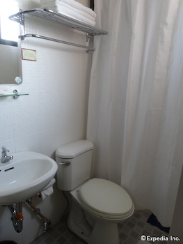 RueMango Apartelle and Suites - Bathroom  - #0