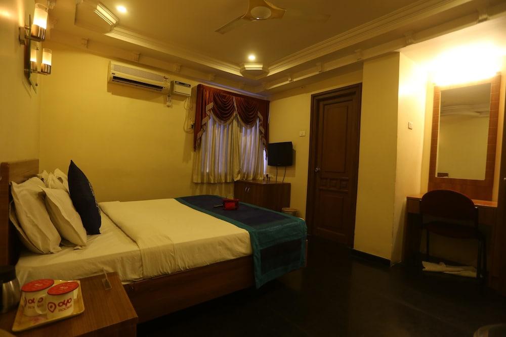 OYO 1599 Hotel Royal Sathyam