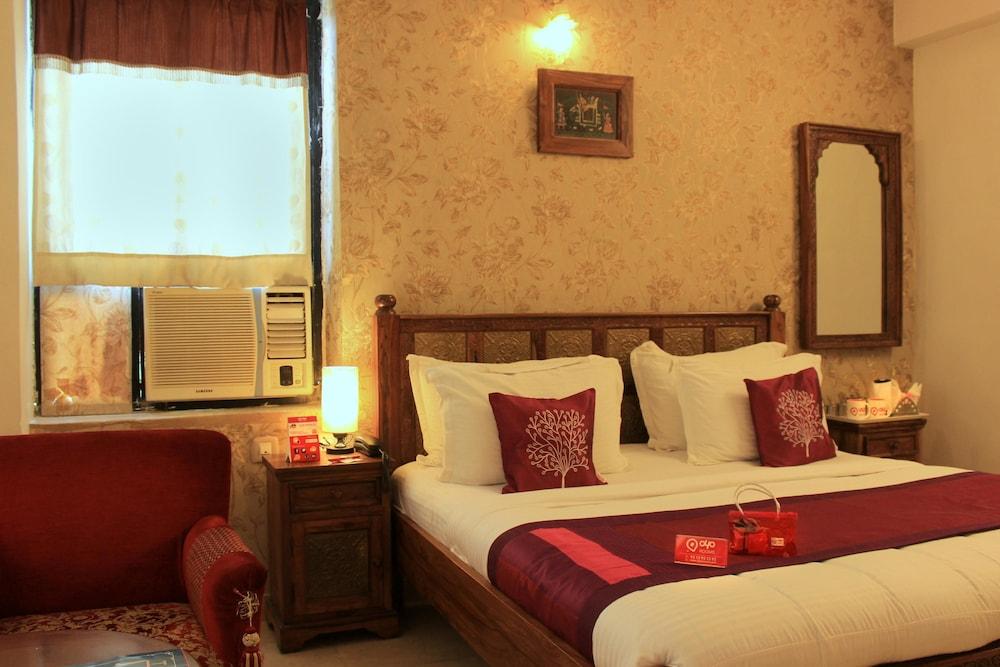 OYO 1592 Hotel Empire palace