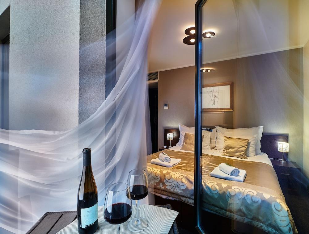 89b3e9ec0 Boutique Hotel Chrysso, Kosice @INR 5383 OFF ( ̶6̶1̶8̶7̶ ) Hotel ...