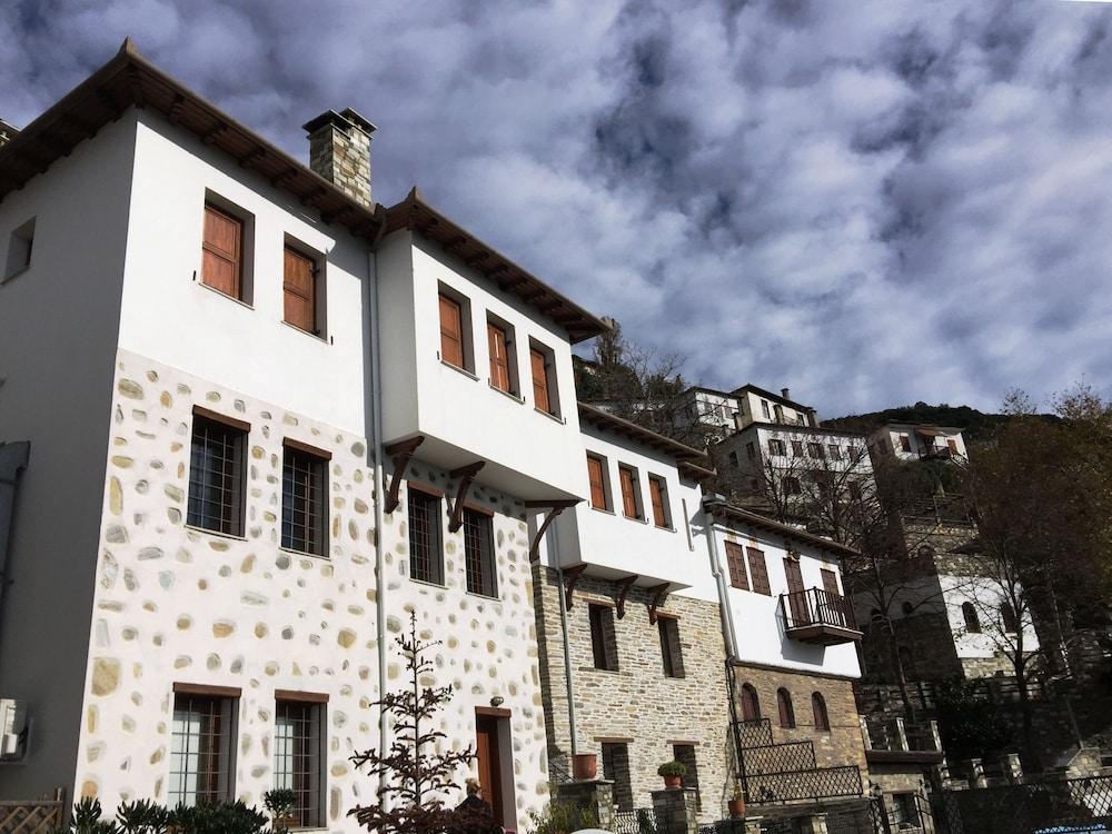 Archontika Karamarlis Guest House