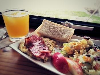 Chillax Inn - Food and Drink  - #0