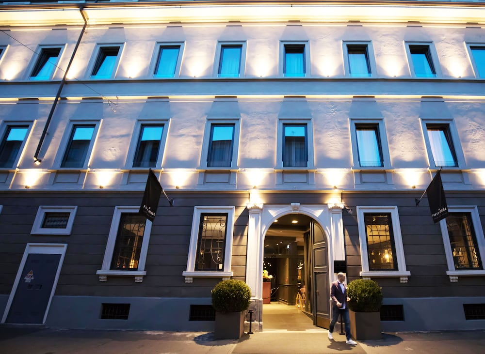 Luxury Hotel Fifty House