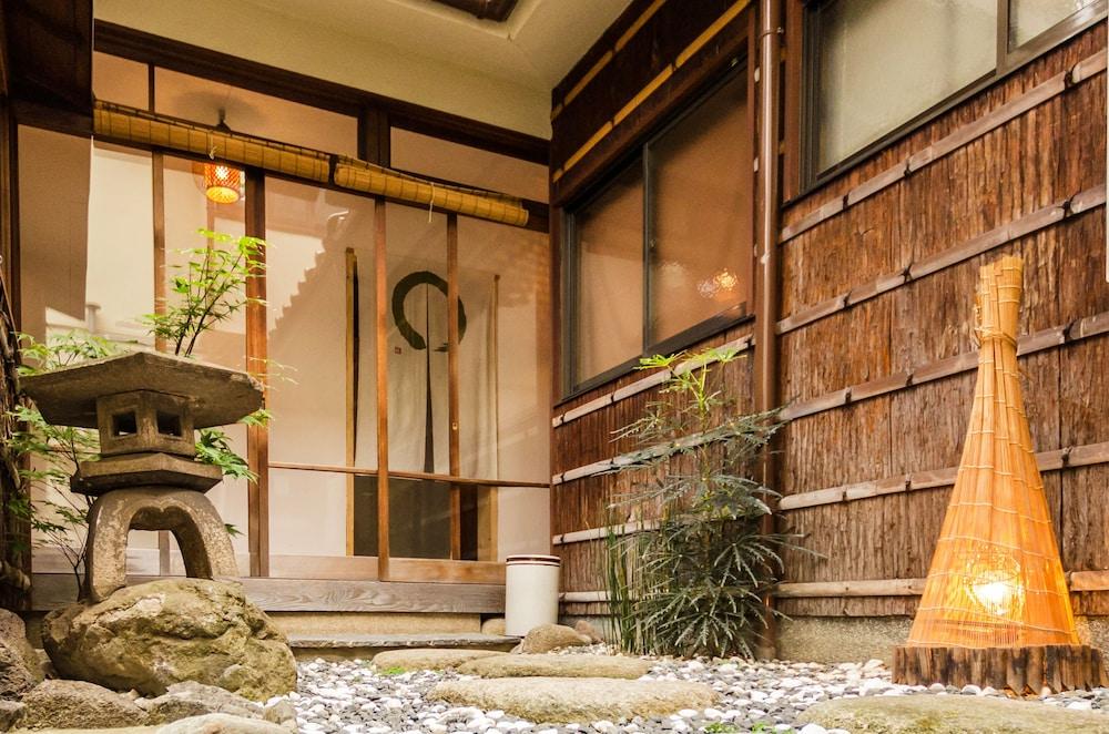 Osaka Guesthouse OSHITERUYA - Hostel