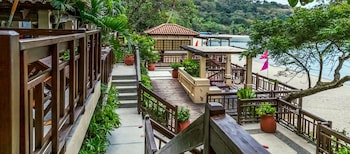 Amara Residences