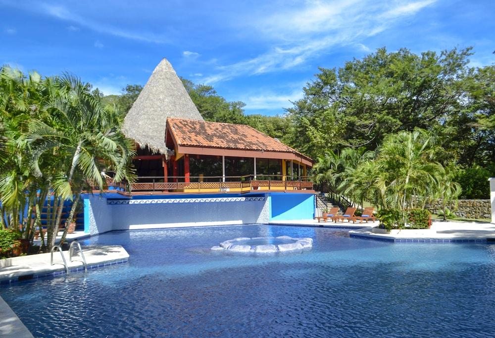 Papagayo Golden Palms Suites & Villas