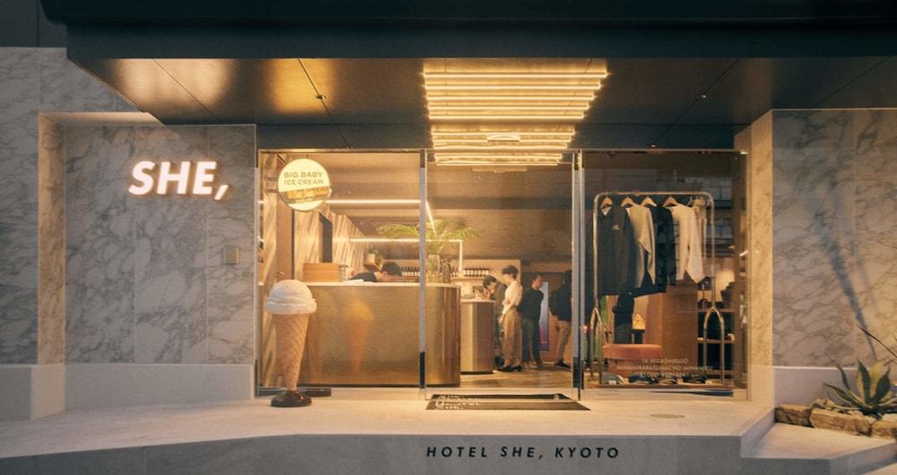 Hotel She, Kyoto