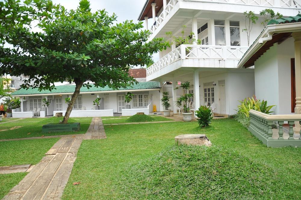 Mirissa Bay Resorts